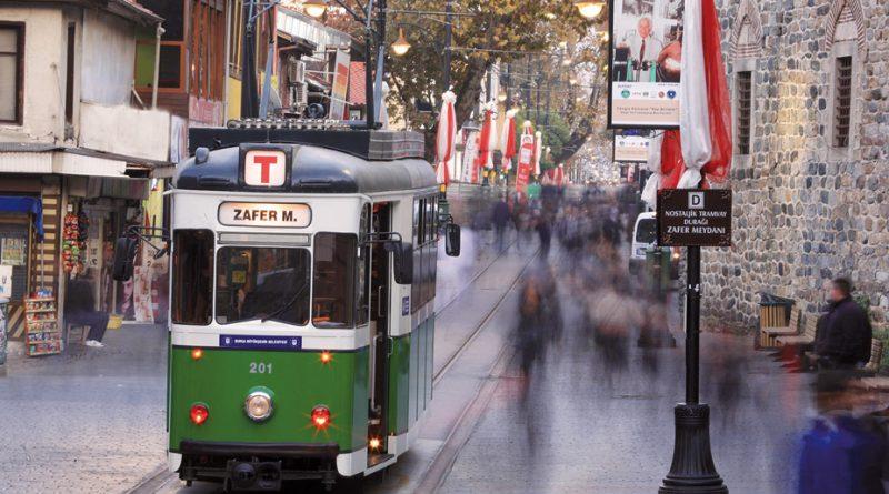 Cumhuriyet Caddesinde muhakkak bir tur atın !